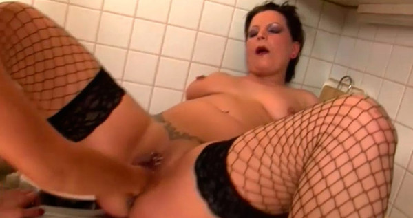 extrem-fisting-fuer-milf